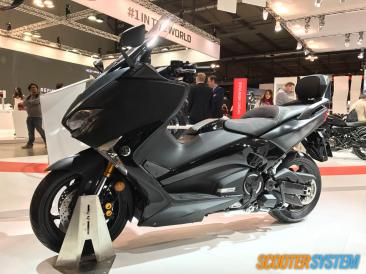 hôtesses, maxiscooter, scooter GT, scooter sportif, Yamaha, Yamaha T-Max