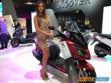 hôtesses, Kymco, Kymco G-Dink, maxiscooter, scooter 300, scooter GT