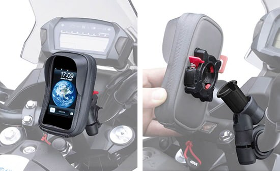 Le kit de support Givi pour iPhone se clipse sur le support à la verticale