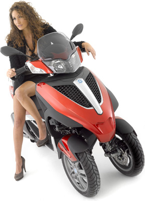 Piaggio mp3 Yourban 125 de face