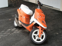 MBK Booster Spirit Orange Hebo de Quelot - 1