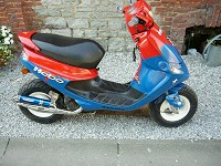 Peugeot Buxy Red & Blue Strong de Kevin - 1