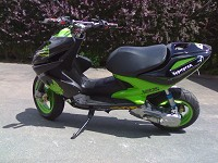 Yamaha Aerox Monster Energy Xtreme d'Ur02kev - 3
