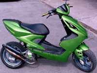 MBK Nitro MHR Team green de Crossman36 - 1