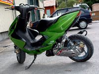MBK Nitro MHR Team green de Crossman36 - 2