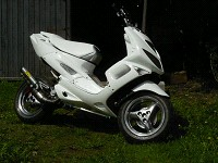 Peugeot Speedfight Airsal White Scar de x007 - 1