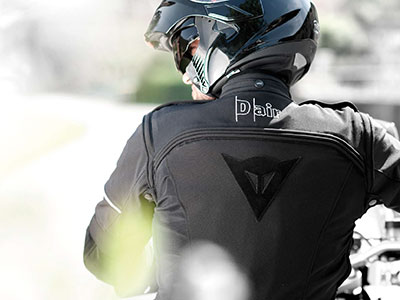 Dainese D-air Street : l'airbag moto intelligent