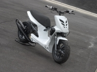 MBK Stunt White Out (perso-10067-08_11_29_18_13_55)