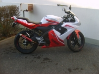 Yamaha TZR 50 White And Red (perso-10764-09_01_13_12_04_15)