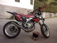 Avatar du Yamaha DT 50 X Black And Red Furious