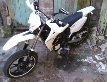 Avatar du Rieju MRT 50 SM White & Black / Top & Stage6