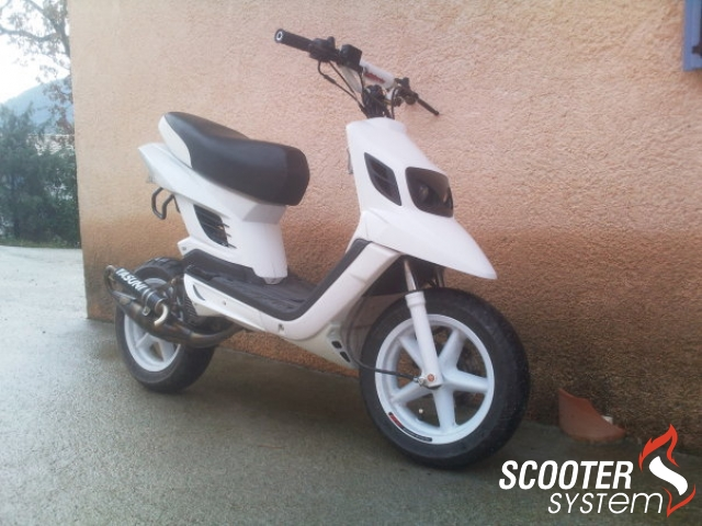 MBK Booster Spirit 12 Naked Rx White And B